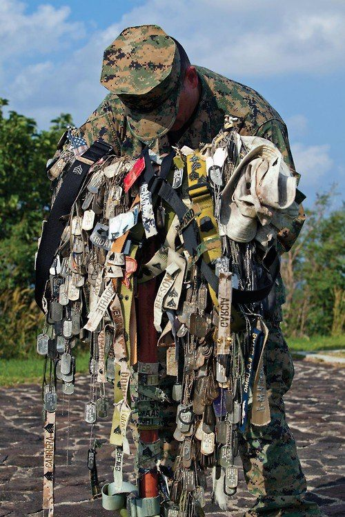 REMEMBER THIS --- EVERY SOLDIER has a dog tag. Each dog tag is from one person who FOUGHT & GAVE THEIR LIFE FOR YOU AND OUR COUNTRY! SO THANK THEM! #MemorialDay2020 #ThankYouForYourService  #GodBlessAmerica  #GodBlessOurMilitary #FreedomIsNotFree https://t.co/VP1YxYRnPc