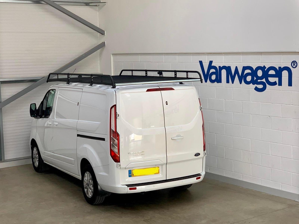 👌🏼Check out the rack on this.  🔷 Vanwagen offer 10% off all Rhino products, including free fitting.  📱 For more information contact us on 01733 852828  #vanrack #ladderrack #modularroofrack #rhinoproducts #vanladderrack #vanwagenlimited #onestopshop #vanaccessories #roofsystems