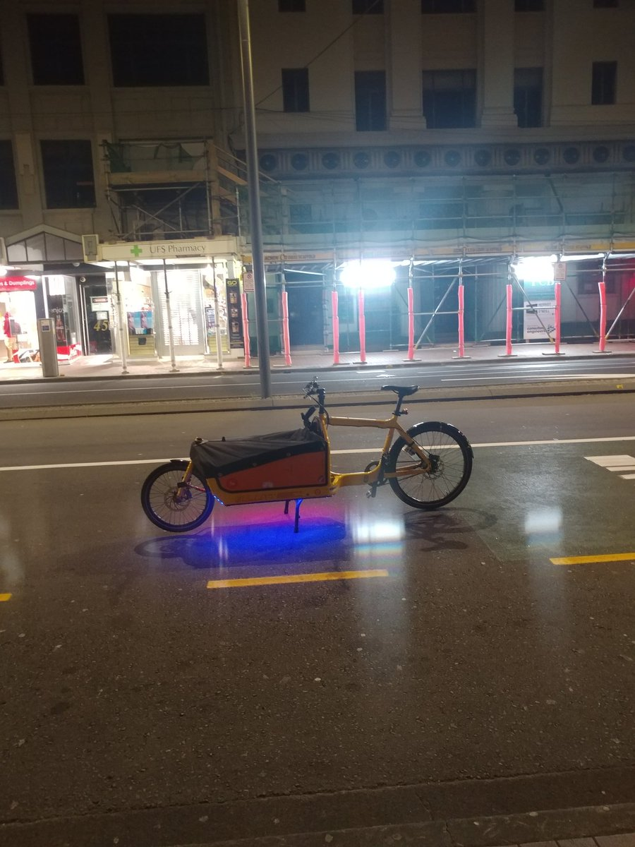 I left my #cargoBike with party lights going in the middle of the street for an hour just because I could. #OpenStreetspic.twitter.com/k8zFsHF5Mu
