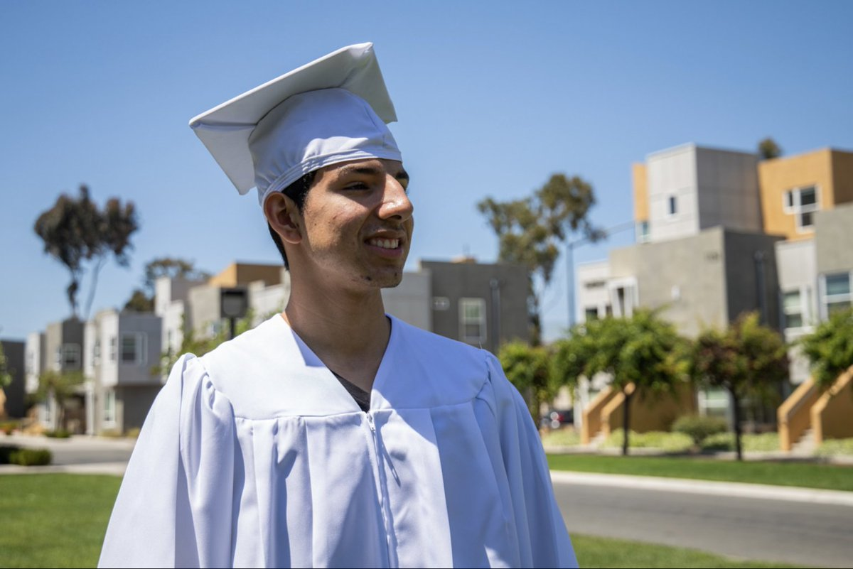 I'll be talking to Angel Zepeda, a senior at San Ysidro High school, about his experience as a first-generation graduate.   Join us on Instagram (@voiceofsandiego) today at 1:30 p.m.   More info: https://vosd.org/2WZJV0X  @WeAreYouthWillpic.twitter.com/yRgrYWjWSd