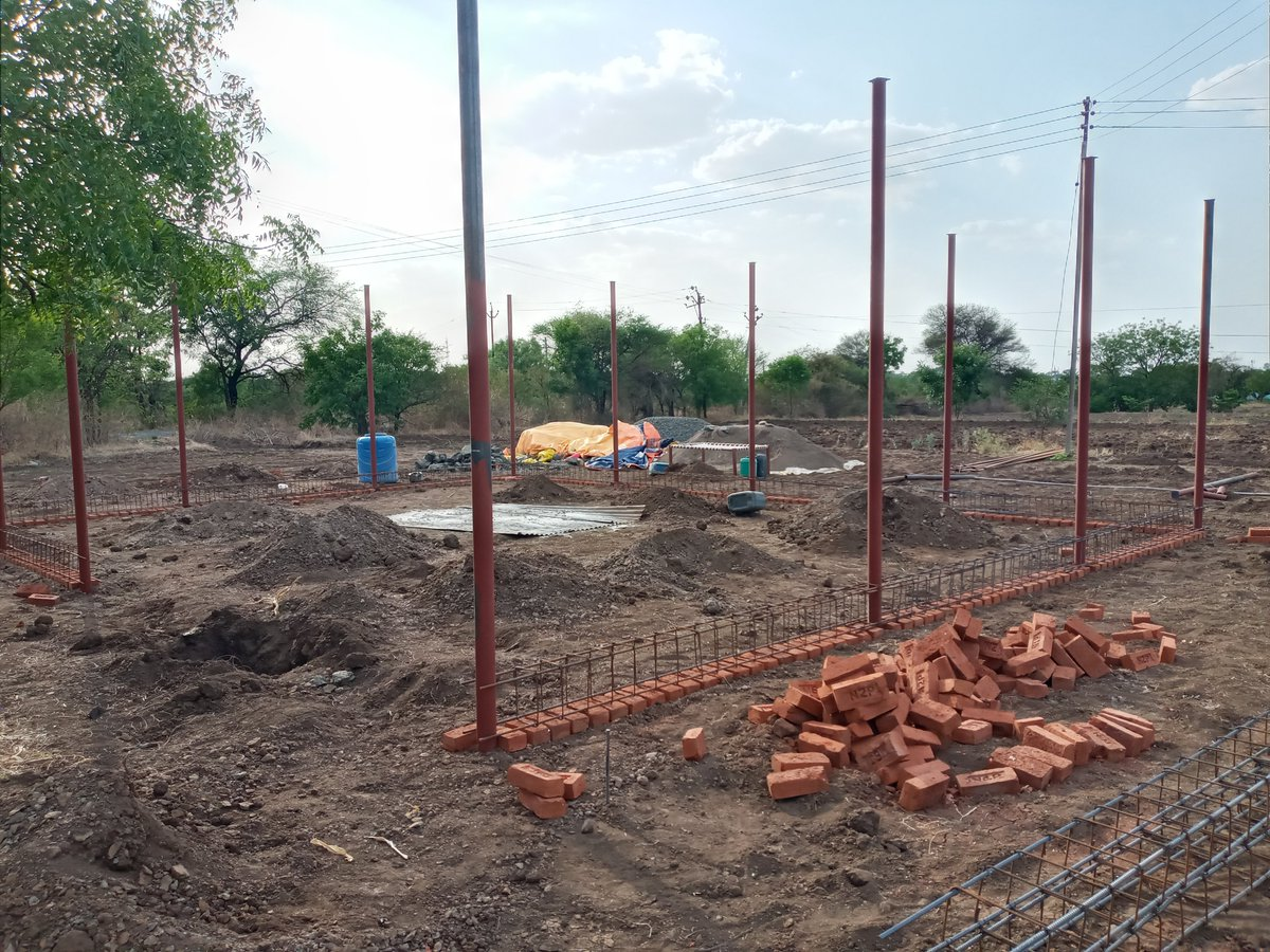 #Steel #bar ready for beam concreting! pic.twitter.com/gFHNbfM8Lz