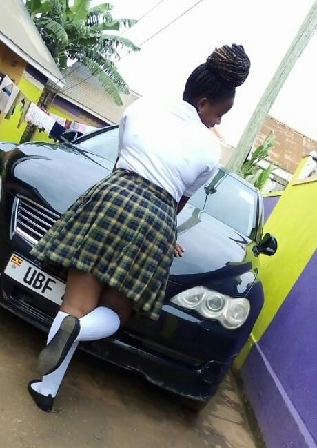I came across my old school uniform and decided to go back in time @MwizaSophy come and see I realised i could cut off my hair and go back to senior 5 #FlashbackFriday <br>http://pic.twitter.com/ExMcioPgLI