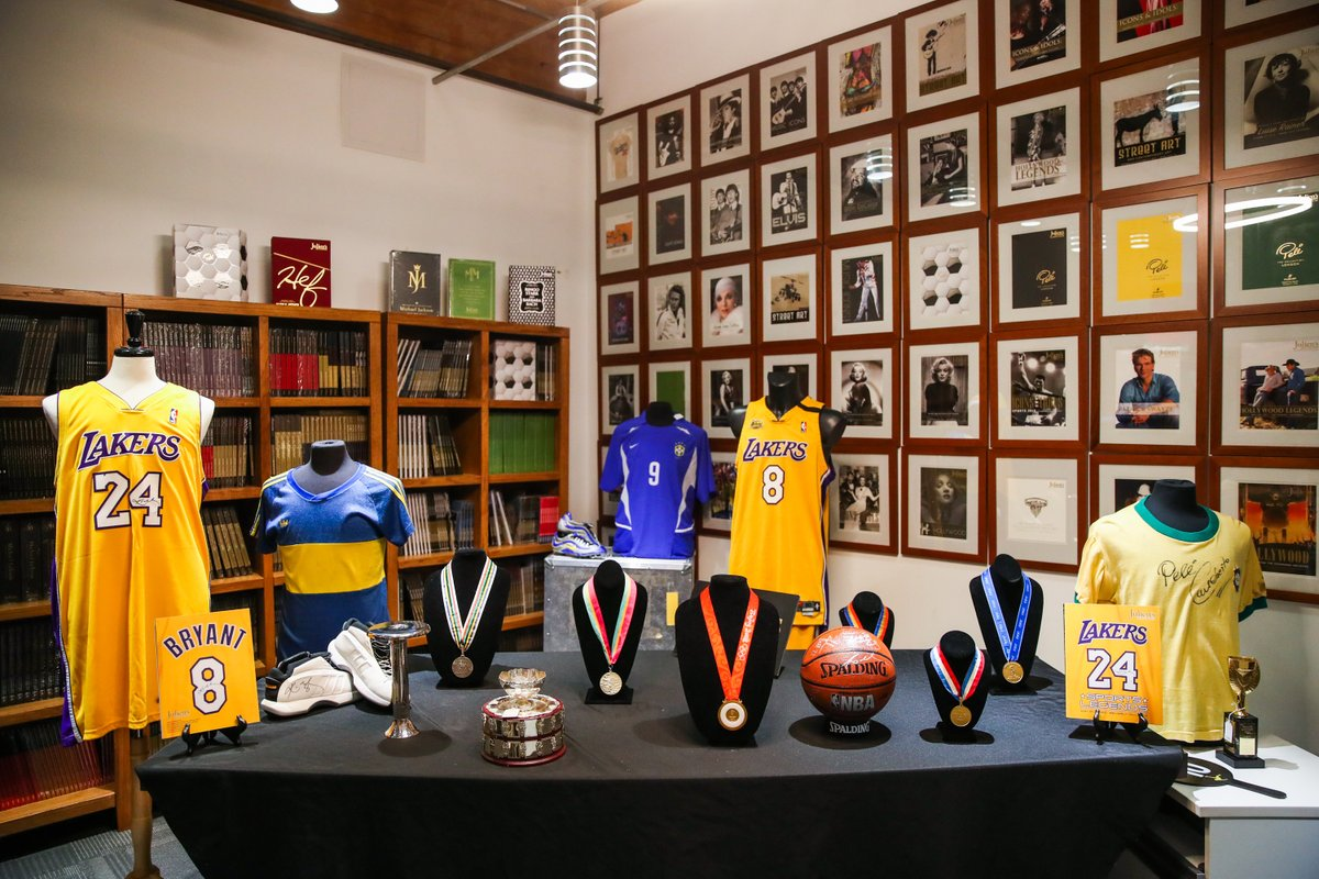 """B/R Football on Twitter: """"A collection of sports memorabilia—including a  pair of match-worn R9 boots and an unnamed 2018 World Cup winners'  medal—was sold at auction overnight 😍… https://t.co/69TB1wuOuS"""""""