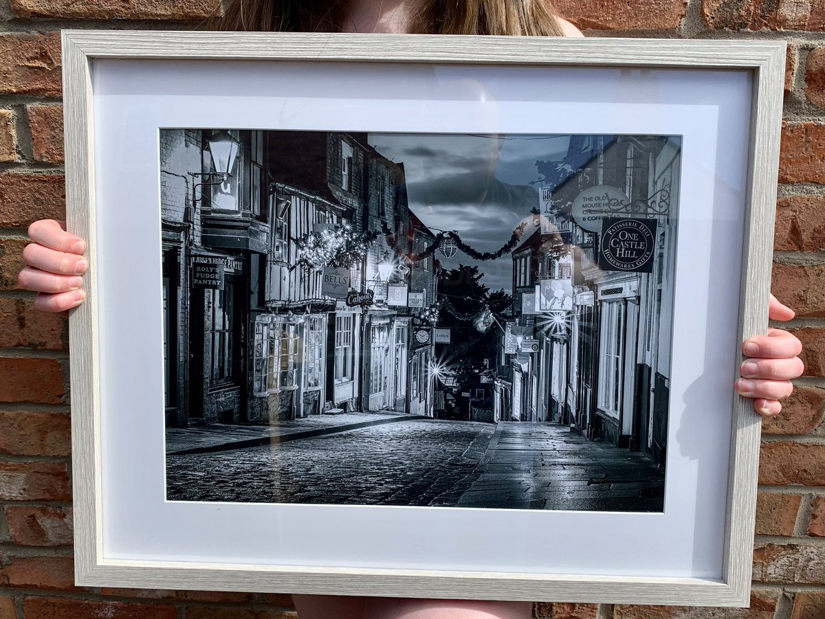 I don't do many black and white but love this one of Steep Hill in a grey frame for a customer #wallart pic.twitter.com/FBlNoBdnHF