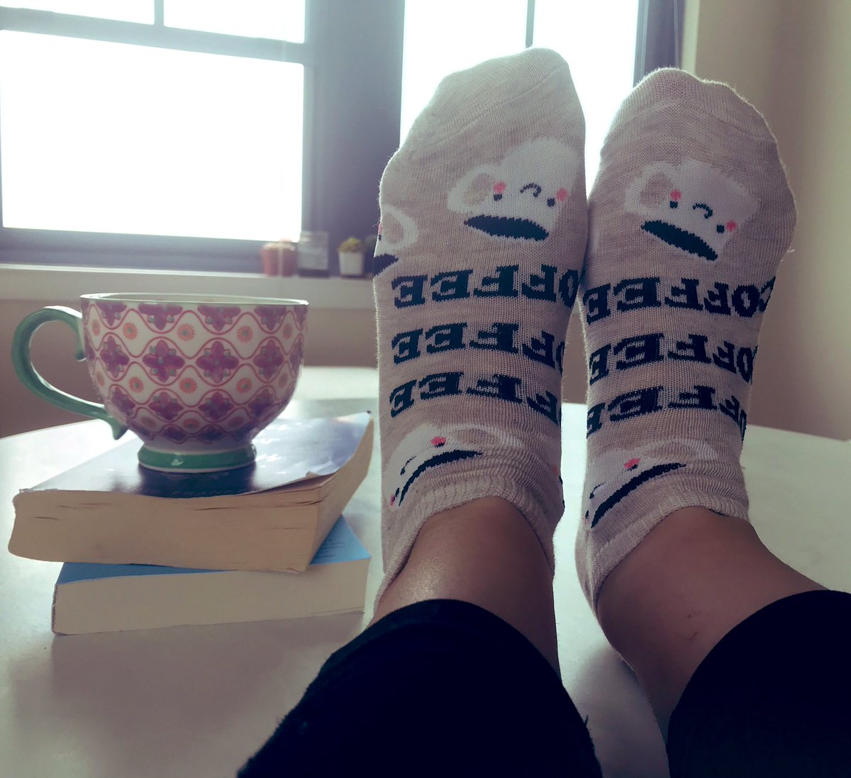 Coffee socks and extra coffee for this rainy morning! <a target='_blank' href='http://search.twitter.com/search?q=hfbtweets'><a target='_blank' href='https://twitter.com/hashtag/hfbtweets?src=hash'>#hfbtweets</a></a> <a target='_blank' href='http://search.twitter.com/search?q=hfbtogether'><a target='_blank' href='https://twitter.com/hashtag/hfbtogether?src=hash'>#hfbtogether</a></a> <a target='_blank' href='https://t.co/qxiECSlCZW'>https://t.co/qxiECSlCZW</a>