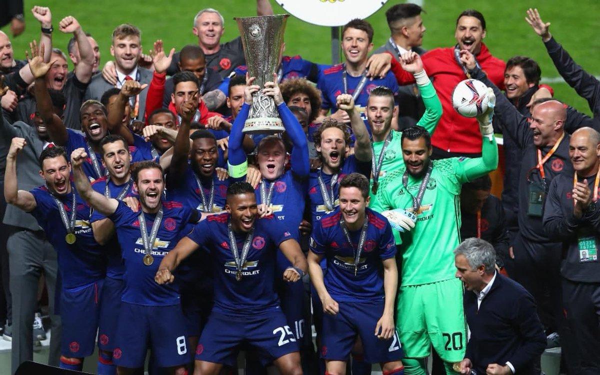 🔙 Un 24 de mayo de 2017, Manchester United ganaba la UEFA Europa League al superar por 2 a 0 al Ajax, en Solna.   Sergio Romero 🇦🇷 y @anto_v25 🇪🇨 fueron titulares aquel día. https://t.co/UUYD71gq3q