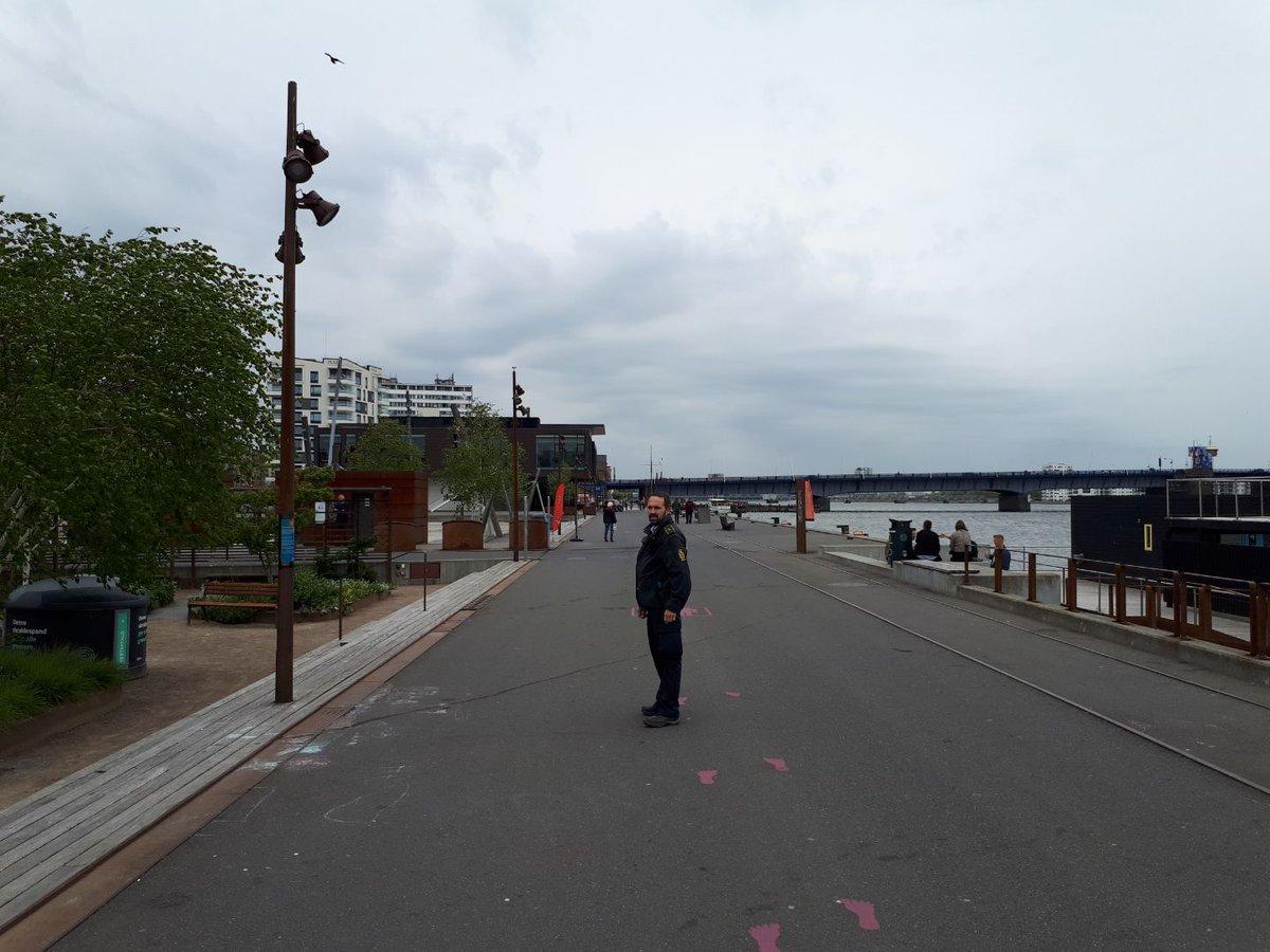 Ingen uheldig trang til store grupper eller anden stimlen sammen på havnen i Aalborg👍Det er ærlig talt heller ikke det fedeste vejr at nyde fjorden i. #patrulje #COVID19dk #politidk https://t.co/nYq4yC781I
