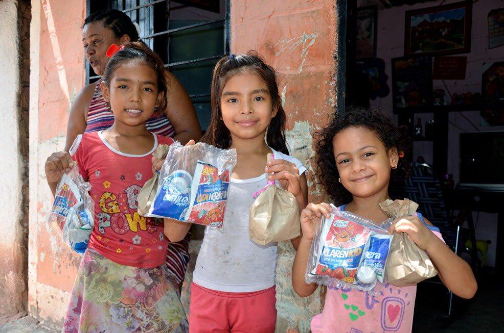 ¡La ruta blanca de la esperanza llega al municipio! 🌻 2.000 kits fueron donados por #Fedegan para nuestros niños más vulnerables, una iniciativa que le aplaudimos a la población ganadera por este gesto durante la crisis mundial. https://t.co/GOuYHzg1Fx