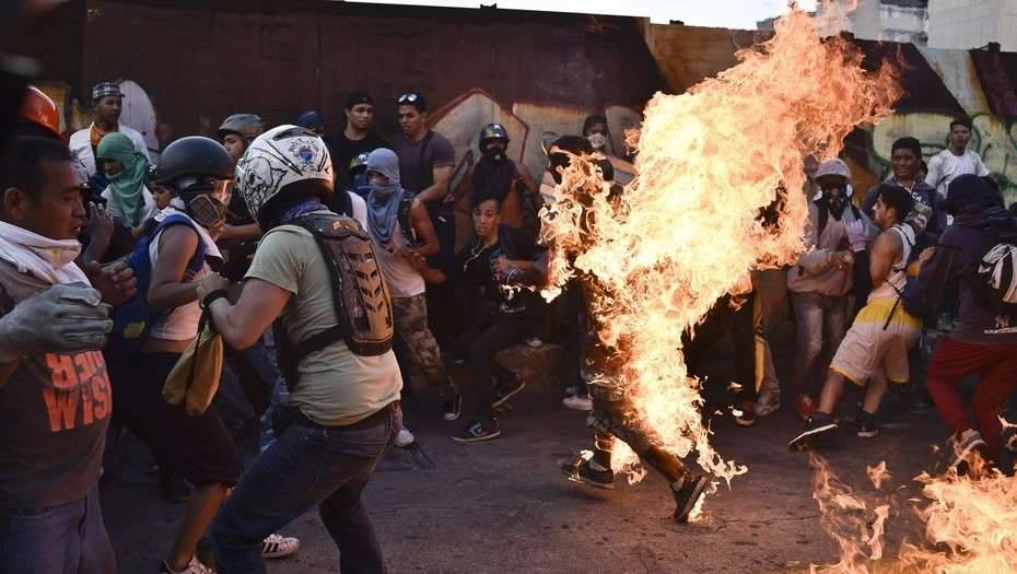 Tag novolverán en El Foro Militar de Venezuela  EYoZivOWkAE-3Od?format=jpg&name=medium