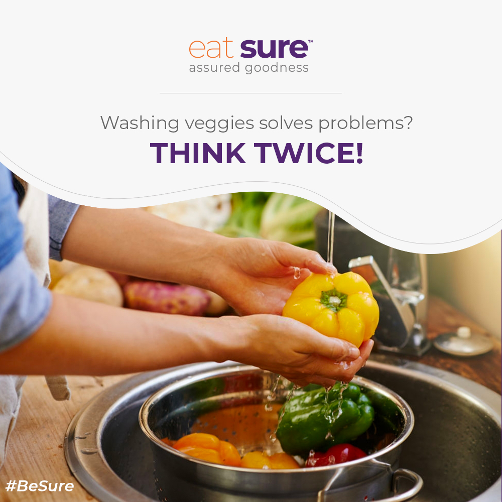 Yes, you read that right! Washing veggies is mandatory but so is patting them dry using a paper towel. It helps stunt the bad bacterial growth which otherwise wet vegetables are susceptible to! #EatGood #EatSure #GoodFood #BeSure #Promise #FoodSafety #FoodHygiene #QualityAssuredpic.twitter.com/jzJPYH3hPF