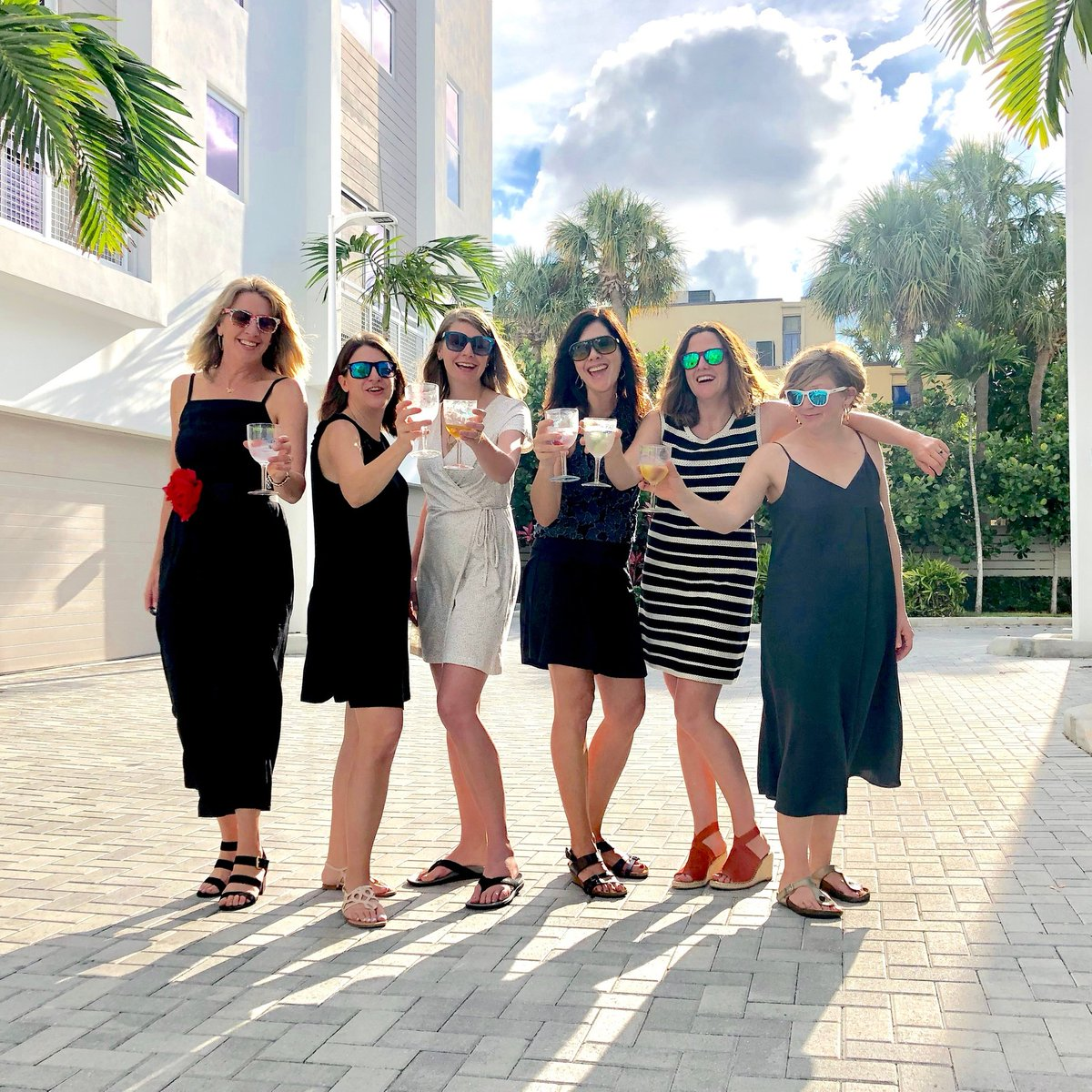 A fond memory from girls trip one year ago, with my sisters and the inlaws  (as we say 'outlaws')  Cheers to the holiday weekend, despite how different things will be.  Have fun, be safe! Keeping high hopes for girls trip 2021!  #fridayvibes #girlstrip pic.twitter.com/rBby6QqeJn