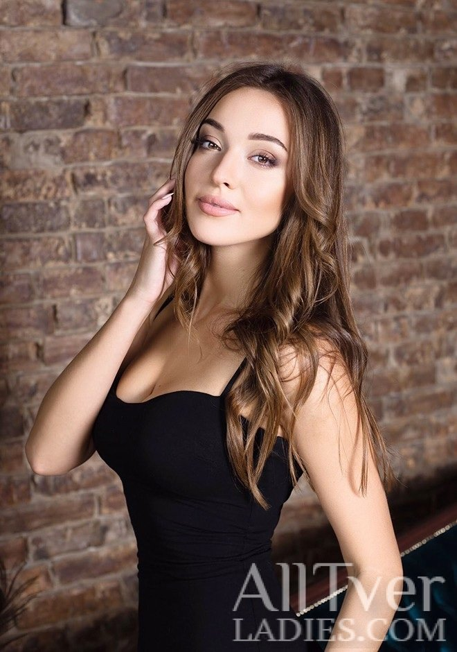 """Russian single Ksenia: """"I adore nice food, gym and spending time with a good book and with a cup of tea. I am sure than on this single dating site we will find my love!""""  Meet her online  https://bit.ly/3bSyWfa  #alltverladies #dating #badoo pic.twitter.com/mSlkdLvUXy"""