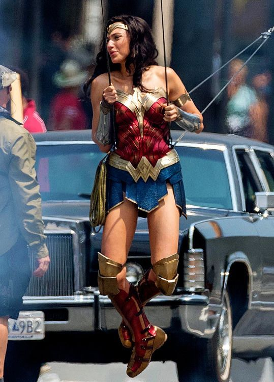 #WonderWoman1984  | Behind the scenes. <br>http://pic.twitter.com/3NNIWnz5iC