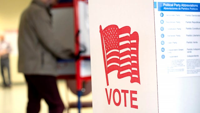 Former elections judge in Philadelphia admits to taking bribes to tamper with elections https://t.co/AwDnEAQU9v https://t.co/hNIVeXRpCh