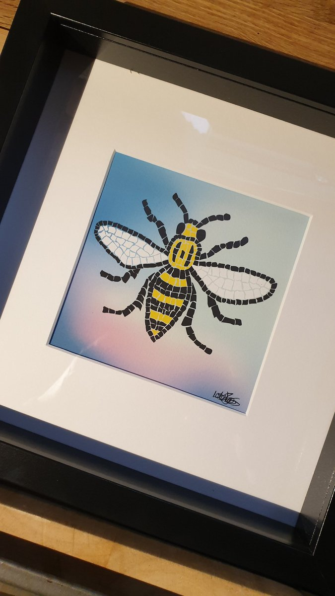 Thinking of the 22 today RIP #ManchesterRemembers 😥 https://t.co/4wH3byxJYw