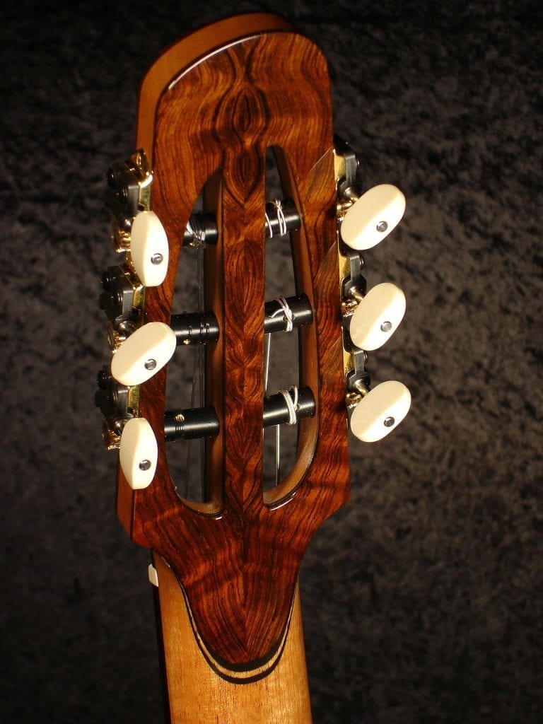 Brazilian Rosewood book-matched back strapping (Nylon string guitar headstock) #tombillsguitars #handmadeguitars  #luthiers #guitarbuild #luthiery #guitarmaker  #guitarbuilding #guitarbuilder #lutherie #handmadeguitar #customguitar #guitar #guitars https://tbguitars.com/flamed-redwood-br-genesis-nylon/…pic.twitter.com/MRxIZGc3Tv