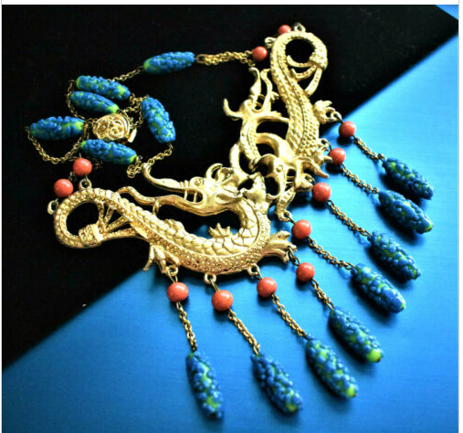 Not even I would wear this nutty gold-dragon and Venetian-bead fringed necklace, but isn't it amazing? https://t.co/cuYIDmOQ8M