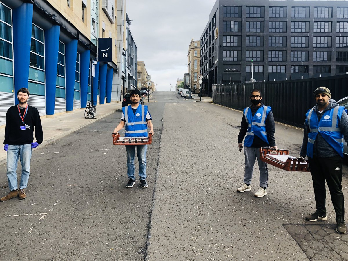 """Make happy those who are near, and those who are far will come.""last blessed Friday in #Ramadan2020 hot meals provided by @AMEAGlasSouth to @GlasgowShelter #FridayFeeling #Ahmadiyya @Isaar_UK @Ansarullah_UK @AMA_Scotland @Glasgow_Times @catherineh710 @Glasgow_Live @HFI1995pic.twitter.com/uPRXNmqLUn"