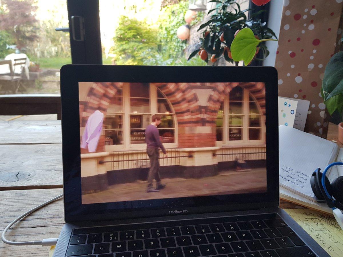 Proper proud of my @UWE_FILM students #16mm commercials screening online currently at the #AwardsCeremony @Kodak_ShootFilm @Kodak @nahemiuk #NationalCompetition  #LoveFilm  #StudentFilmmakers  Thank you @CinelabLondon  #FingersCrossedpic.twitter.com/czIfsatjTA