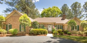 Property Info  http://ow.ly/YqI350zNMd0  910.528.6427 #Realtor #Pinehurst Fantastic opportunity to own an all brick, Golf Front, Custom Home, in the gated Community of Pinewild Country Club, less than 5 minutes to the Historic Village of Pinehurst.pic.twitter.com/HsJkDjg5jB
