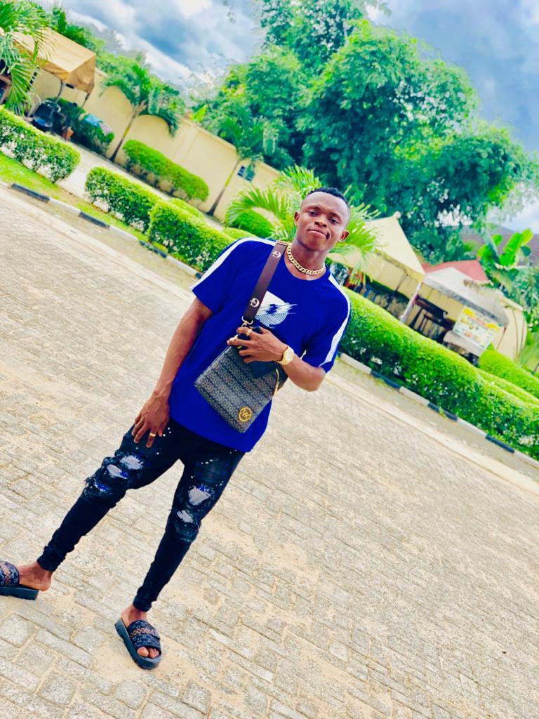 THANK GOD IS FRIDAY #FOCO_LIFESTYLE  my single #FOCO is out link on my bio @reekadobanks @davidoofficial @cashlordmusic @officiallindaikeji @mtvbasewest @tiwasavage @tundeednut @instablog9ja @donjazzy @olamide @mtvbaseafrica #musculacao #videosdetreino #lifestyle #vidasaudavel pic.twitter.com/iIouUHRhgY