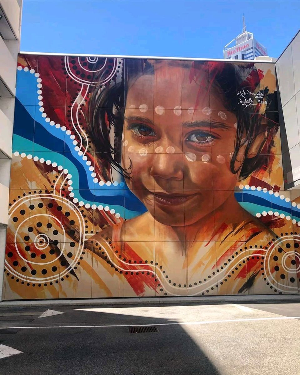 ... take your smile and chase the future. Art by Adnate #streetart #art #graffiti #mural #urbanart #Beauty #Eyes #Smile #Humanitypic.twitter.com/cZrAfItXbN