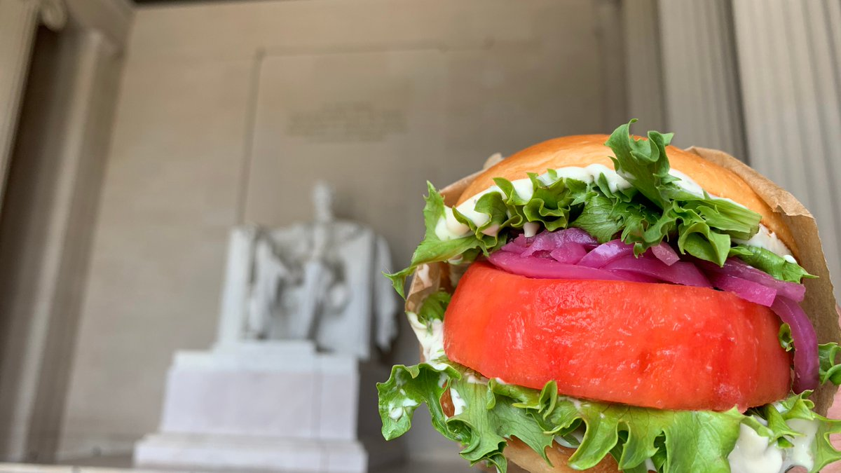 Today's the day! The Beefsteak Burger is back and ready for your weekend picnic. Tag us when you pick up yours. #HowIBeefsteak   https://t.co/W8LNWUmjJS https://t.co/TR9SVsiAZQ
