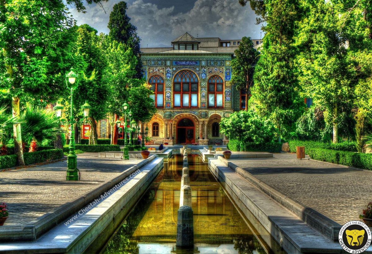 #Golestan_palace  This beautiful palace was built during the Safavid era and completed during the #Qajar era.  #iran_tour #traveler #traveling #trip #tourism #adventure #journey #resort #visitiran #destination #letsgoeverywhere #airport #paradise #travelpics #pavilion #pahlavipic.twitter.com/KWaE2KtPXJ