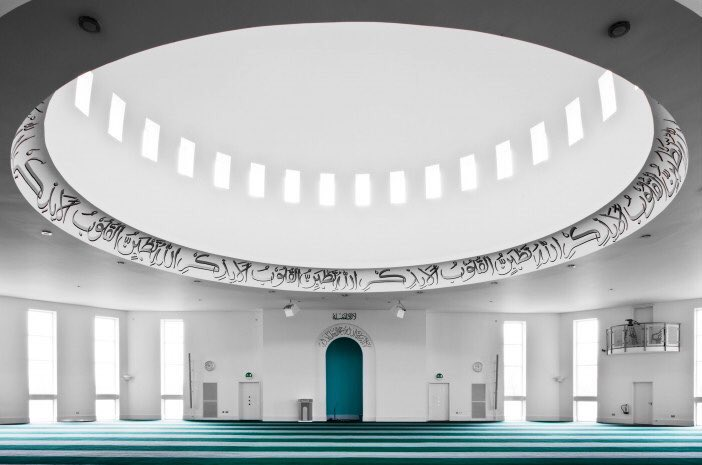 The third Adhan on loudspeaker will be given in Baitul Futuh Mosque at 8:57pm BST. Insh'Allah.  The Live stream link is below. https://youtu.be/TVW9ySBm7gY   #Islam #Ahmadiyya #Azanpic.twitter.com/jQCjduJ6fr