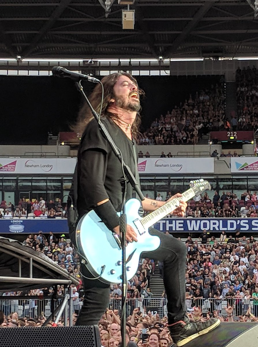 Going through photos after finding that one of Will and I and found this one from when we saw @foofighters in London-we were close to the front!!Amazing how lockdown has made the craving for more live music even stronger,many more gigs to come I'm sure. #FooFighters #davegrohl <br>http://pic.twitter.com/KWCRtIgpJl