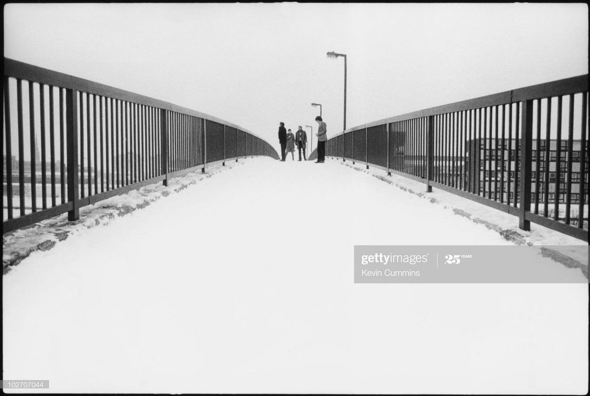 Then we went to Hulme. The idea was to have them looking south over the bridge - aspirational - looking to London for fame & fortune etc. But when I got them in position & was walking down to roadside it just looked perfect #TimsTwitterListeningParty @peterhook #UnknownPleasurespic.twitter.com/5JW7hRcTNv