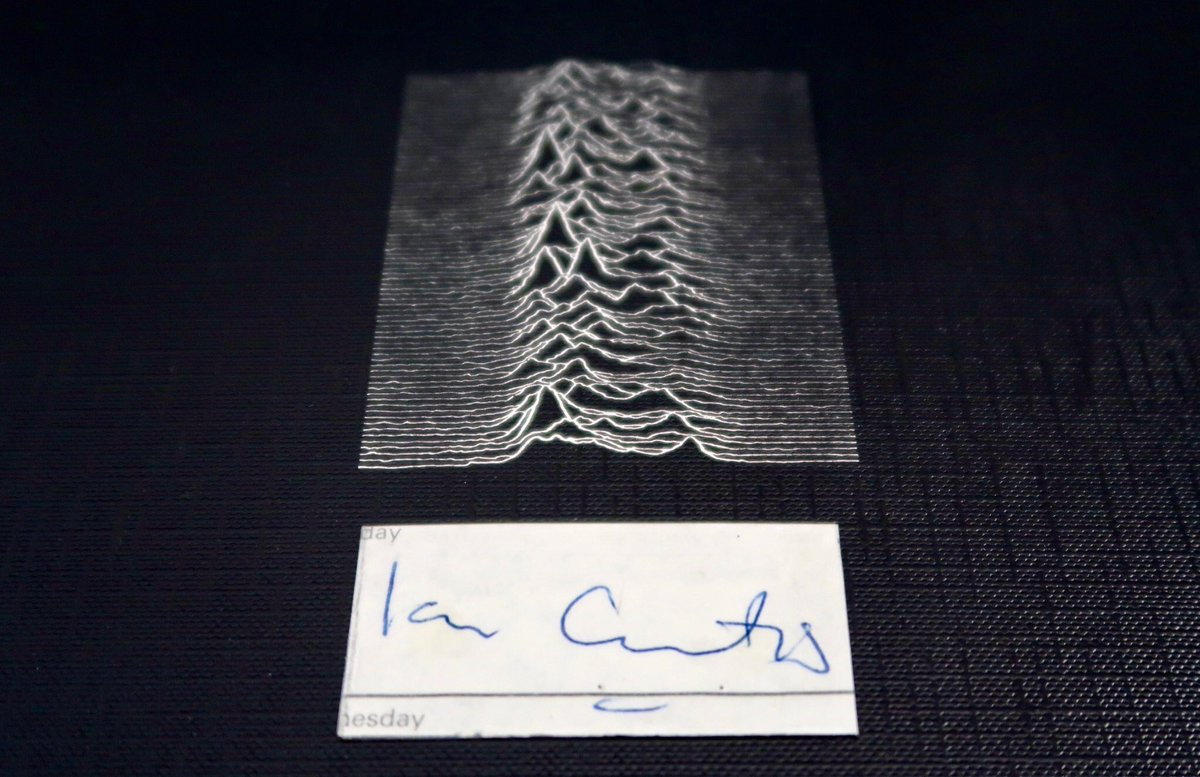 Ian Curtis's autograph from 30 October 1979. Me and a schoolmate showed him & Barney around Oxford to help them get a guitar strap fixed ahead of their gig supporting Buzzcocks that night #TimsTwitterListeningParty #JoyDivision #UnknownPleasures @Tim_Burgess @peterhook pic.twitter.com/0Lf1UMmqLy