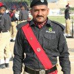 Image for the Tweet beginning: Unsung hero of Sindh Police. He