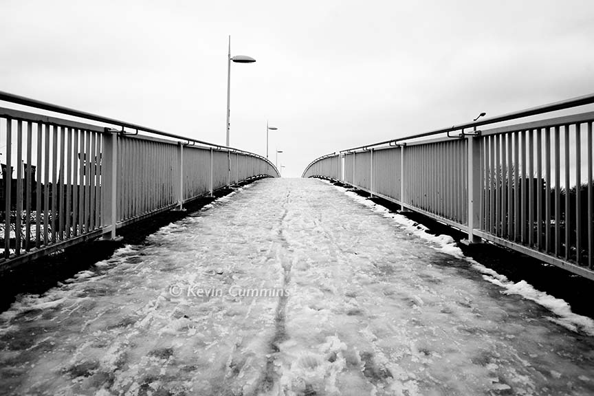 I took a photo of the bridge in 2010 - it still screams @joydivision without them on it #TimsTwitterListeningParty @peterhook #UnknownPleasures pic.twitter.com/bpRLM2hOXG