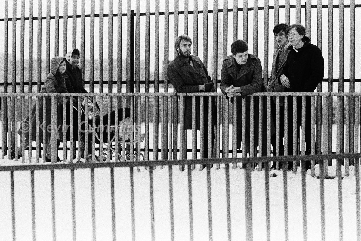 I think I did quite well seeing as it was freezing cold, I was running out of film, they were constantly dicking around as well as moaning about the cold etc #TimsTwitterListeningParty @peterhook #UnknownPleasures I thought these were stronger than the bridge pic at the time pic.twitter.com/QPLHM57G7g