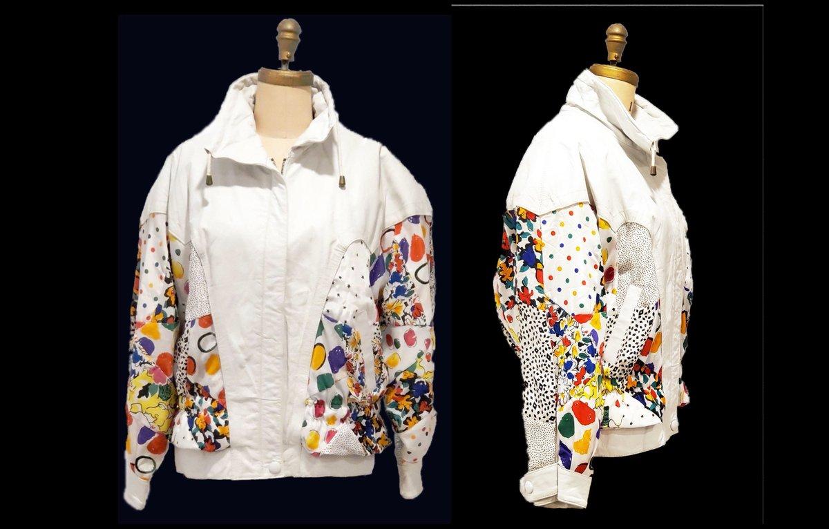 Vintage 1980s leather jacket | 80s Avanti white leather and print over sized bomber jacket | size large http://tuppu.net/e89117f #vintageclothing #Vintagelifestyle #vintagefashion #sustainable #retrouverbiz #fashion #onlineshoppingpic.twitter.com/gXtWLFuSiA