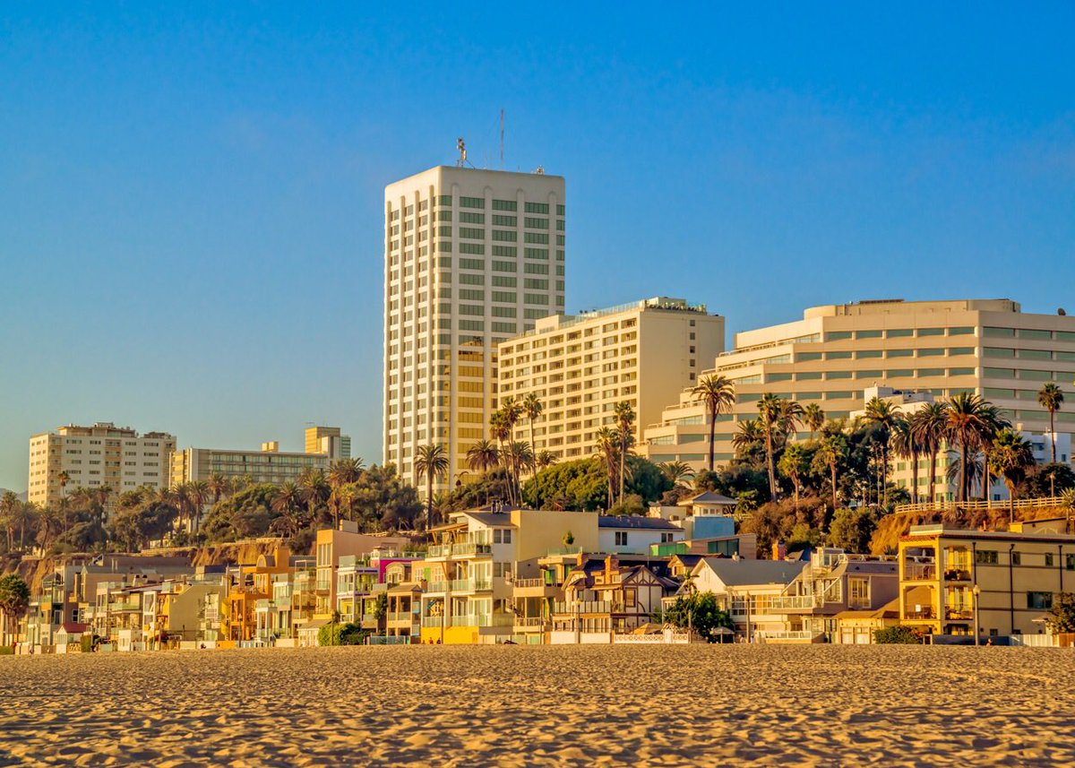 Have a safe weekend and thank you for wearing your  #SantaMonica pic.twitter.com/gTr1ldGBU1