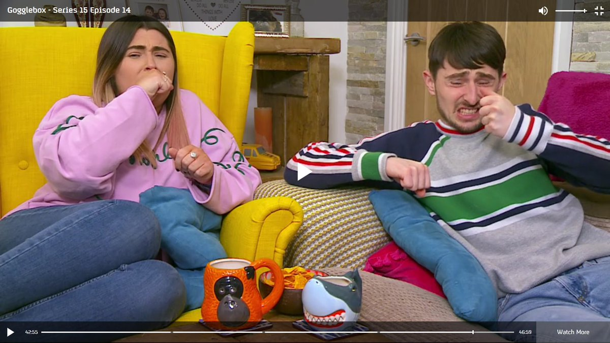#GoggleboxersReact to the girl breaking her own arm in Orphan #Gogglebox