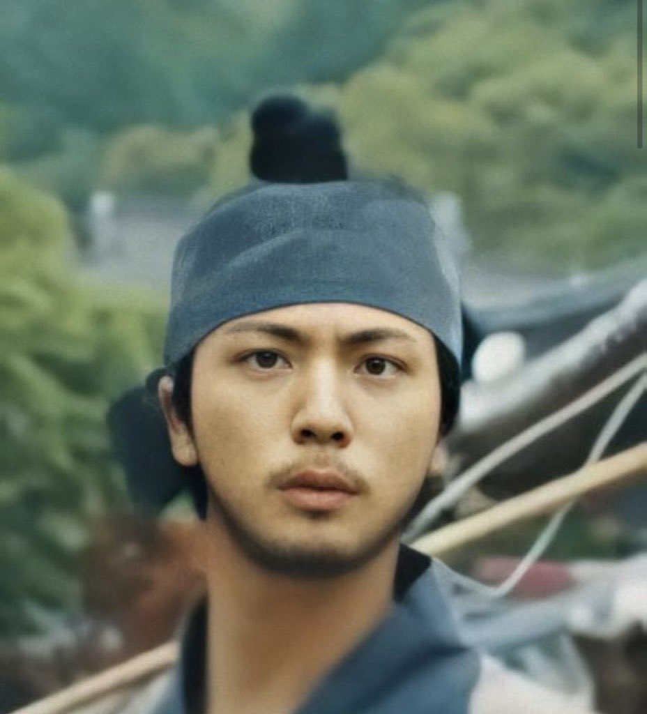 OH YEAH!!!! We got a HD shot of worldwide handsome as a peasant.    #Daechwita He is still so handsome though.   <br>http://pic.twitter.com/DrBW8Pp0iZ