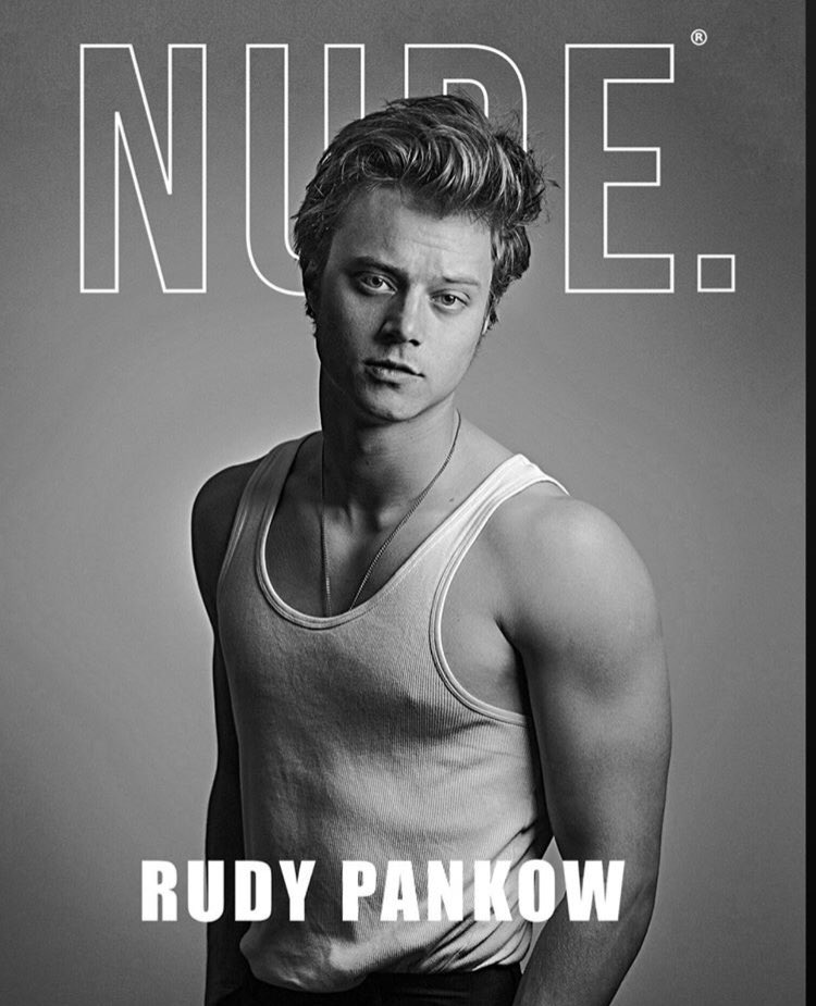 when i tell you my jaw dropped, my jaw DROPPED- #RudyPankow #perfect pic.twitter.com/gVTH9Ot5oN