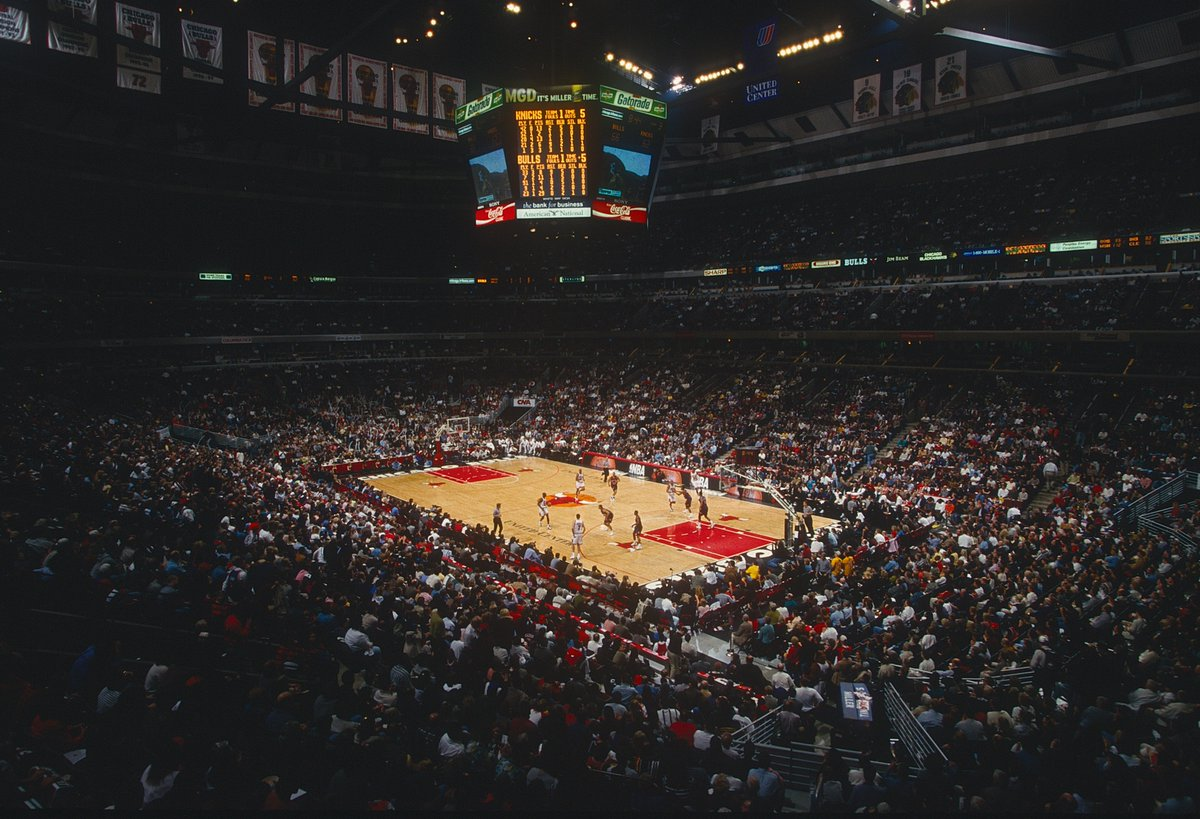 Live out your childhood @ChicagoBulls dream! This once-in-a-lifetime experience will take you and nine friends back to the '90s.   Play on the UC floor, enjoy a meal from a private chef, hang with Horace Grant and Toni Kukoc and more!  Click here to bid: https://t.co/sYPdIJZnMz https://t.co/XYYSyz8etW