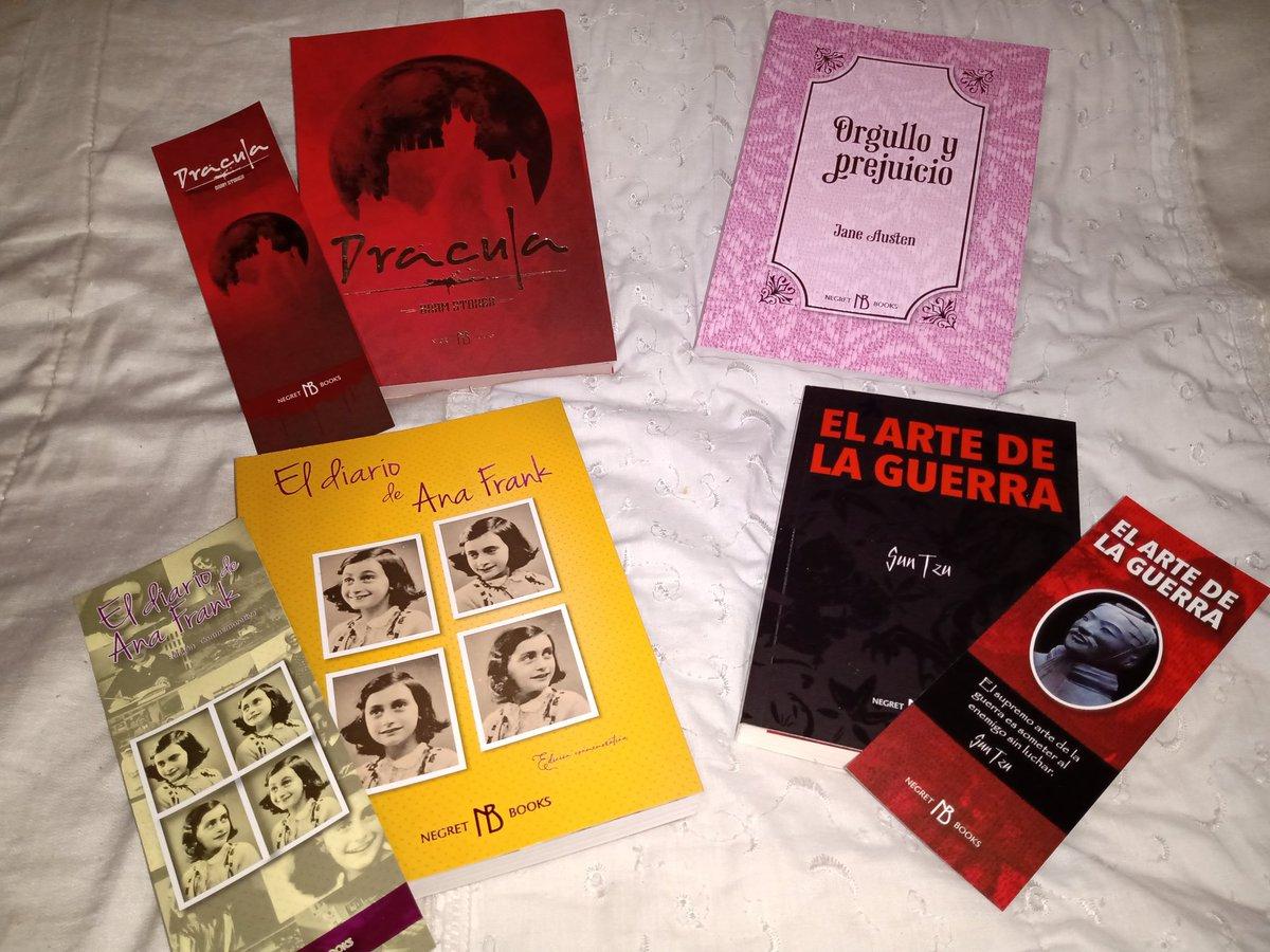 Hola Libreros #ElLibreroDeValentina @LibreroDeVal Les comparto mi compra con la editorial #NegretBooks estoy encantada  no puedo de la emoción #Dracula #orgulloyprejuicio #ElDiarioDeAnaFrank #ElArteDeLaGuerra Viene con imágenes increíbles y datos históricos... Morí!!! pic.twitter.com/ttDgTQ2OUm