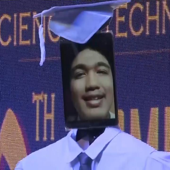 """Watch: Filipino students attend """"cyber-graduation"""" ceremony https://t.co/ageKGWWeG8"""