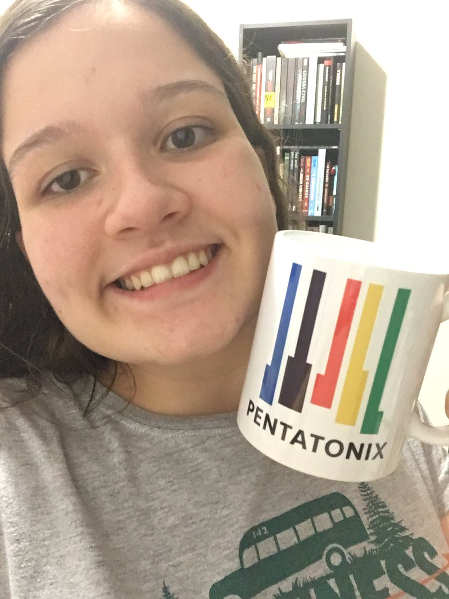 I have this mug that I got on your show in São Paulo!!  #PtxMerch <br>http://pic.twitter.com/slwFYeV9fc