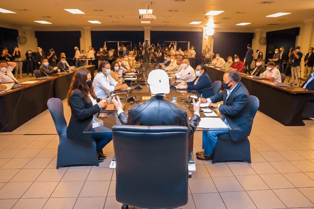 Oscar Ortiz: reunión de Bukele con alcaldes de Arena fue un show