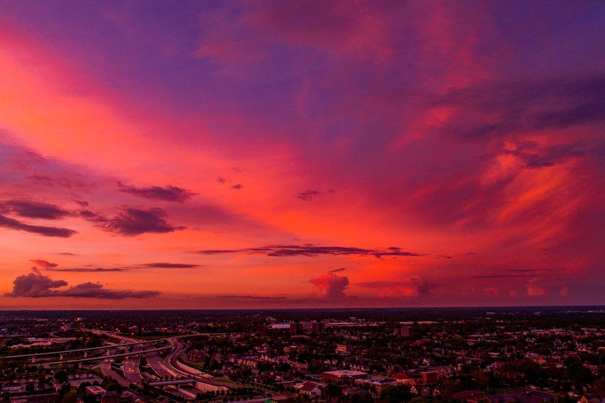 Spirit in the Sky  #sunset pic.twitter.com/fdpTUmA75o