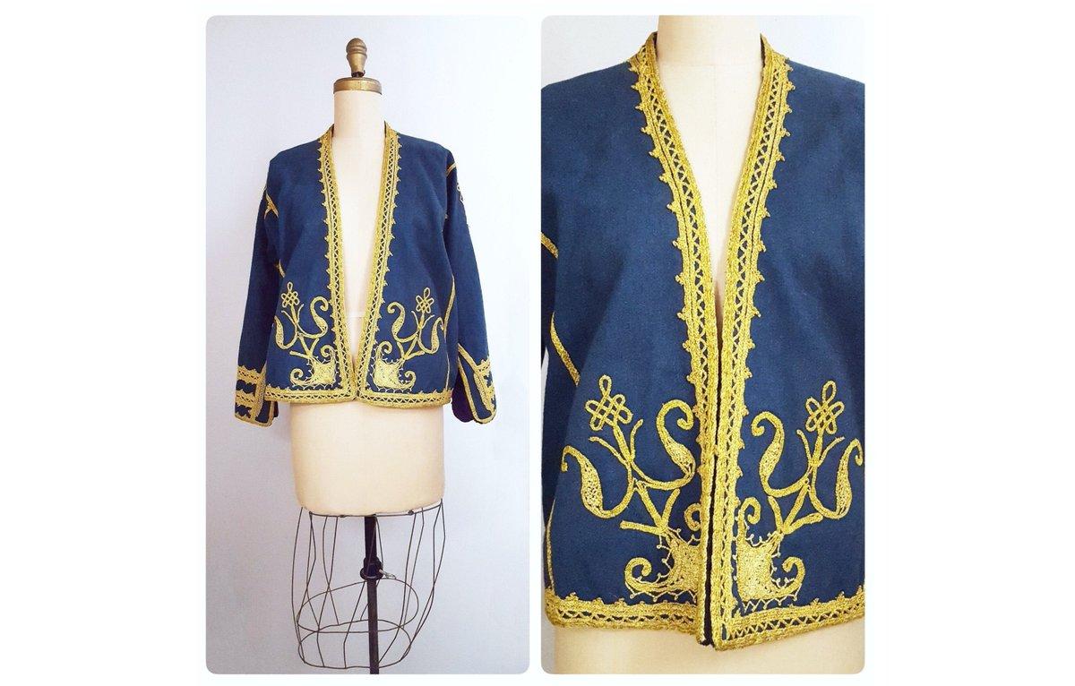 Individuality defined | vintage embroidered India wool jacket | Kashmir blue wool ethnic folk blazer | boho hippie jacket http://tuppu.net/47026271 #sustainable #retrouverbiz #onlineshopping #Vintagelifestyle #vintagefashion #vintageclothing #fashionpic.twitter.com/8qRRfkA3ti