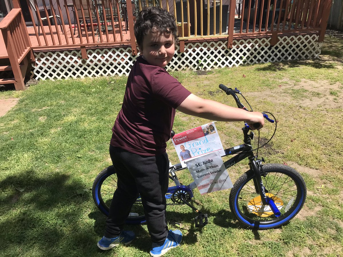 Found out my son won a bike for raising the most money for St. Judes in his school. Totally made our day pic.twitter.com/ufGA9x15j5