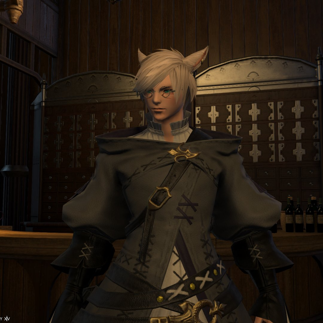 Yo... I changed Leon's hair and added some facial hair and he went from a school boy to a fucking stud. LOOK AT HIM  #FFXIV pic.twitter.com/liqBeu5JzT