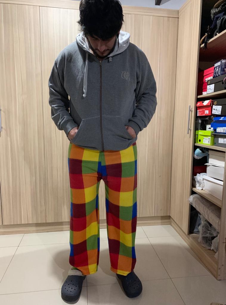 Estos pantalones pijamas hace mi madre, si por ahi quieren para sus pantalones personalizados pueden hacer sus pedidos al 0991599861 Un rt para llegar a mas personas 👖 https://t.co/egHQaZRbsR